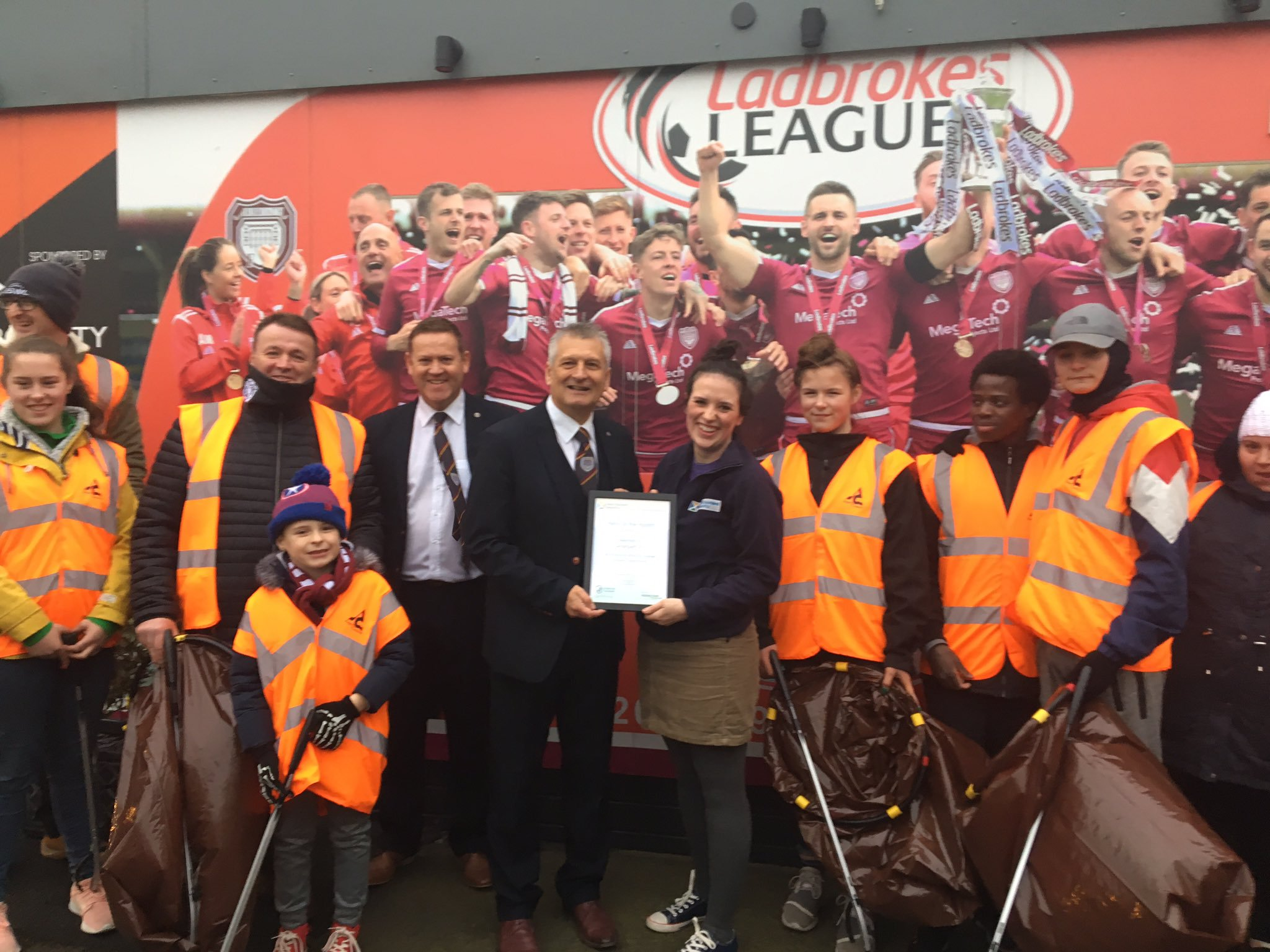 Heather McLaughlin of Keep Scotland Beautiful with Lichties chairman Mike Caird and the litter volunteers.