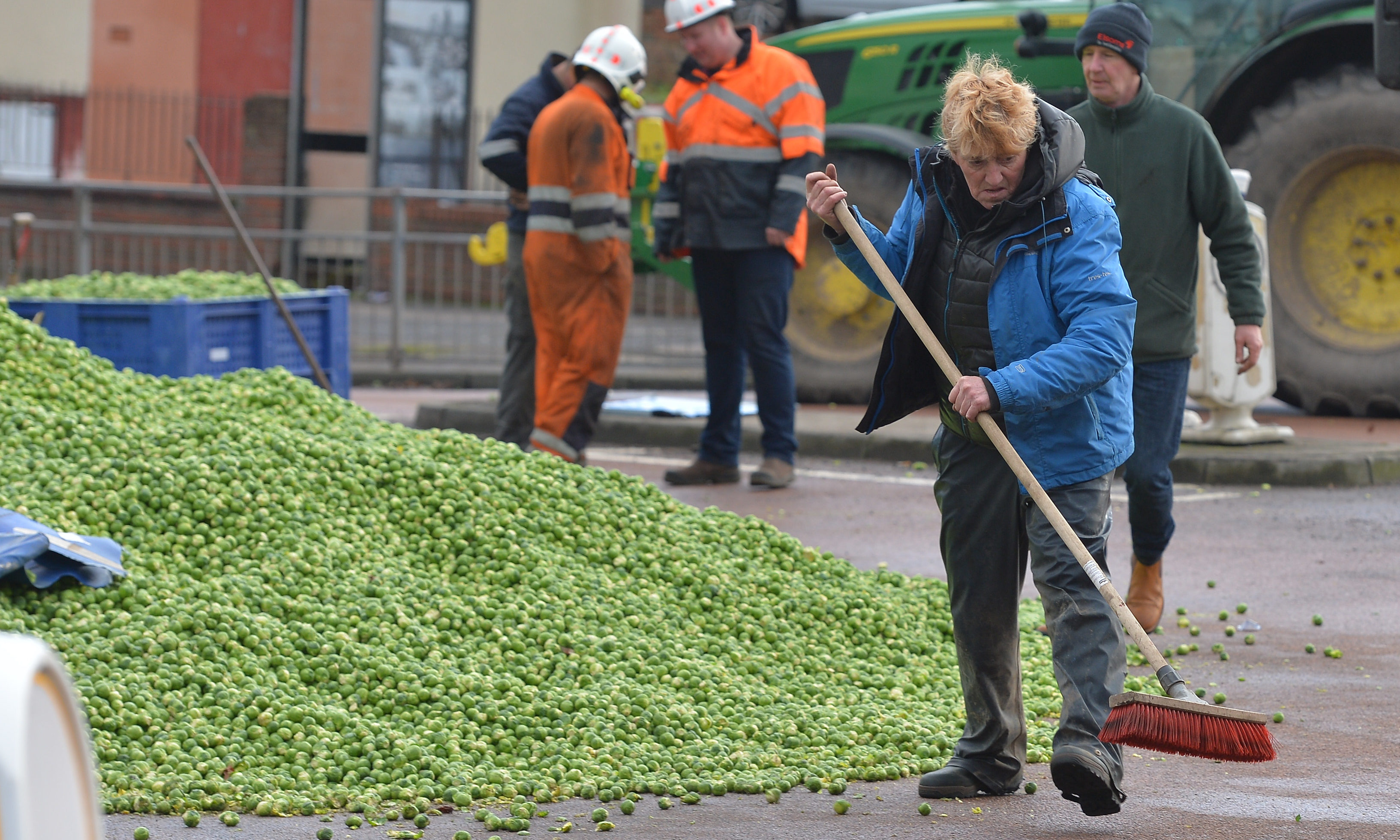 A lorry shed hundreds of thousands of Brussel sprouts in Fife crash.