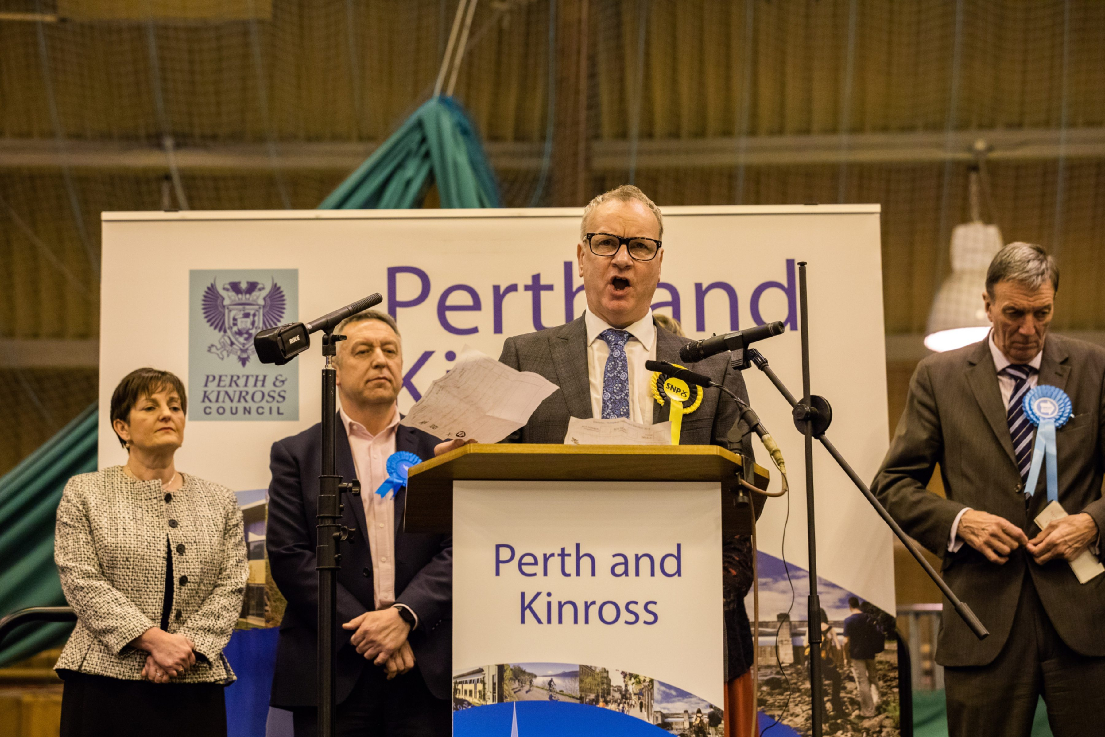 Pete Wishart makes his acceptance speech.