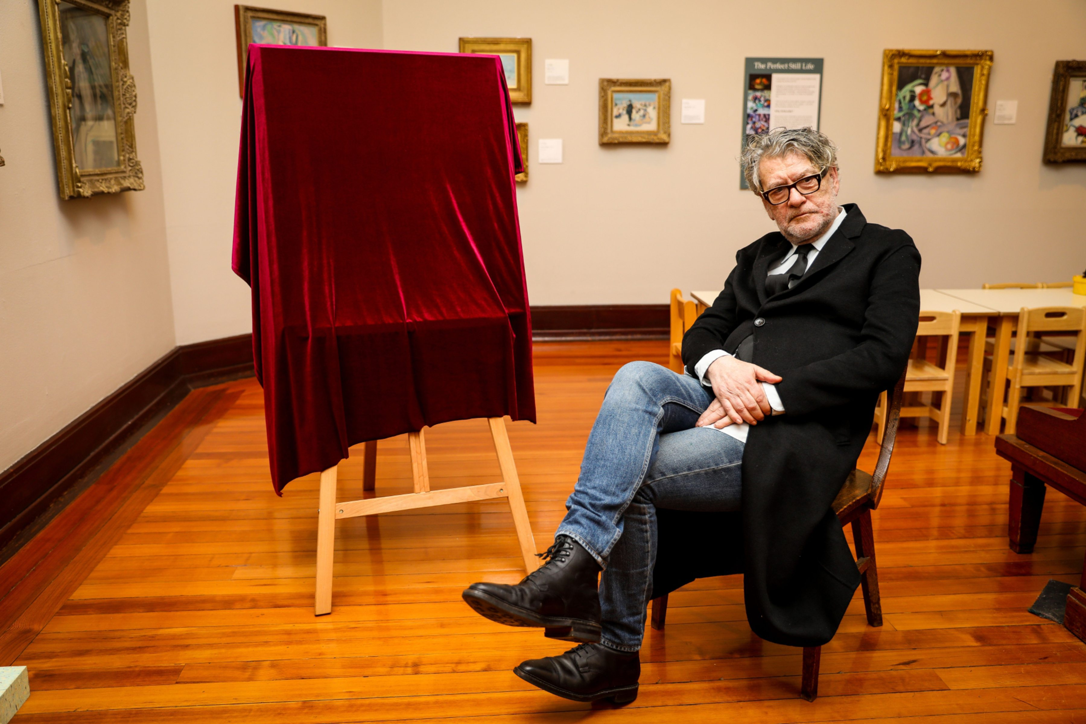 Courier News - Fife - Leeza Clark - Artist Vettriano the early years - CR0014284 - Kirkcaldy - Picture Shows: Artist Jack Vettriano on his upcoming exhibition of The Early Years, here in Kirkcaldy Galleries - Monday 23rd September 2019 - Steve Brown / DCT Media
