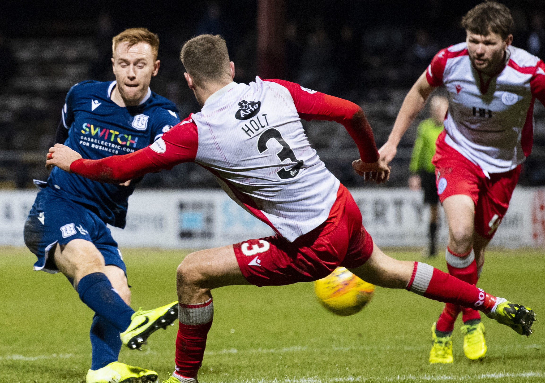 Dundee's Danny Johnson scores to make it 1-1.