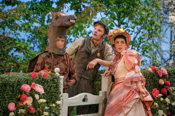 The Goes Wrong Show, Episode: Harper's Locket. Pictures: Dennis (JONATHAN SAYER), Max (DAVE HEARN), Sandra (CHARLIE RUSSELL).