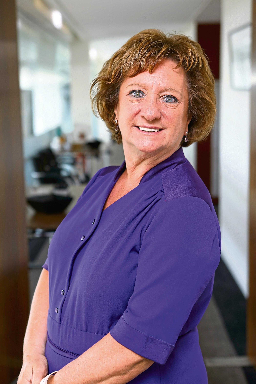 Dr Liz Cameron