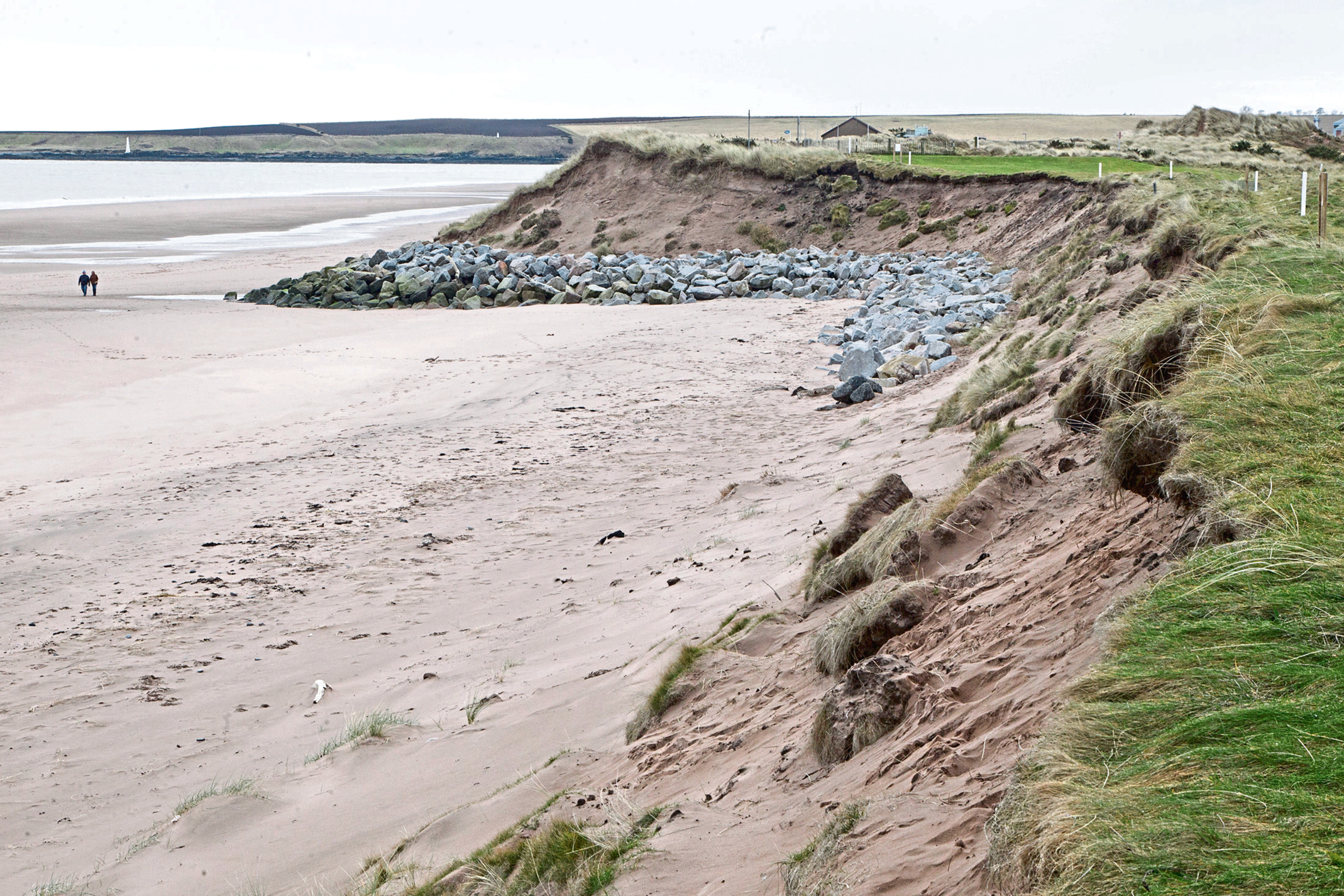 Montrose has been singled out as an example of the threat of climate change to the future of links golf in Scotland. The newly-published Game Changer report suggests golf in Scotland being perhaps the hardest-hit sector as a result of climate-related increases in precipitation as well as coastal erosion arising from storm surges and rising sea levels. For more than 450 years golf has been played on the links of Montrose but changing seas and coastal erosion is threatening to destroy part of the course which can boast features laid down by Old Tom Morris.   Pic shows looking along the 2nd fairway back to the tee at  Montrose Golf Links...Pic Paul Reid