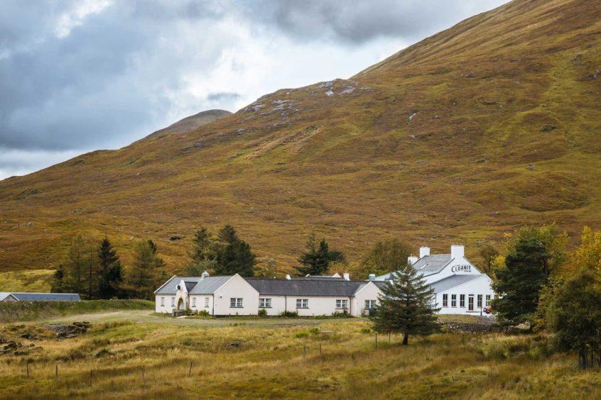 The Cluanie Inn.