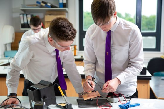 Kinross High School pupils Harry Cormack (l) and Michael Conlon (r).