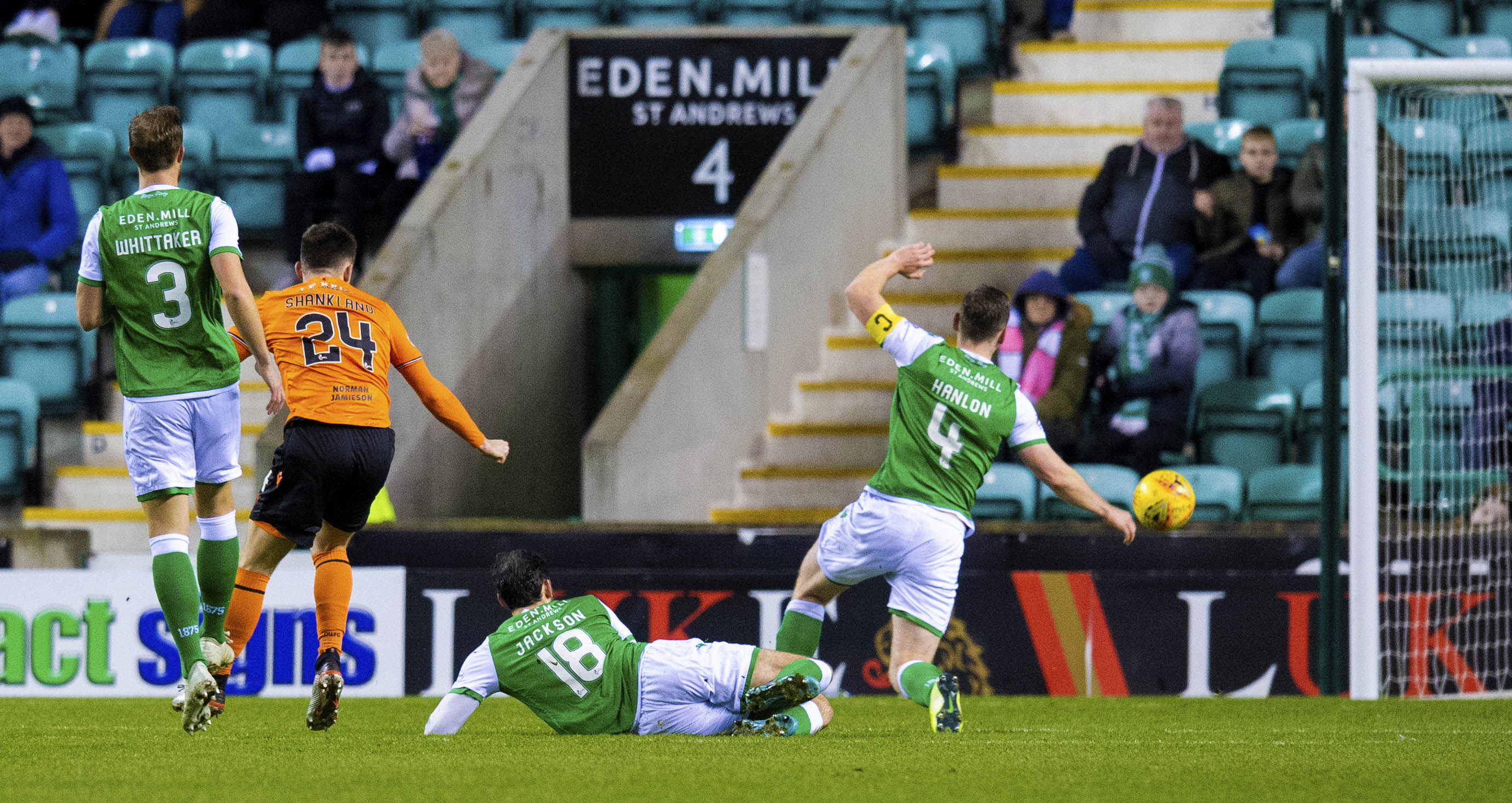 Lawrence Shankland scores to make it 1-0 against Hibs.