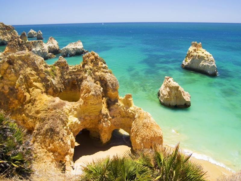 Praia dos Tres Irmaos, The Algarve.