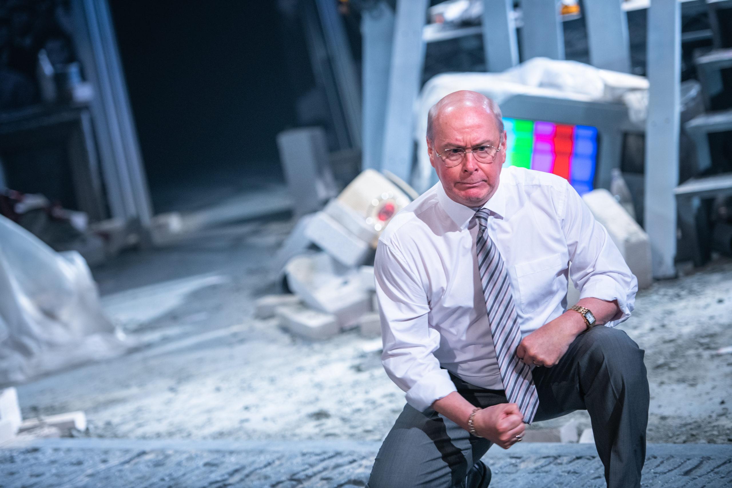 Barrie Hunter as Jim McLean