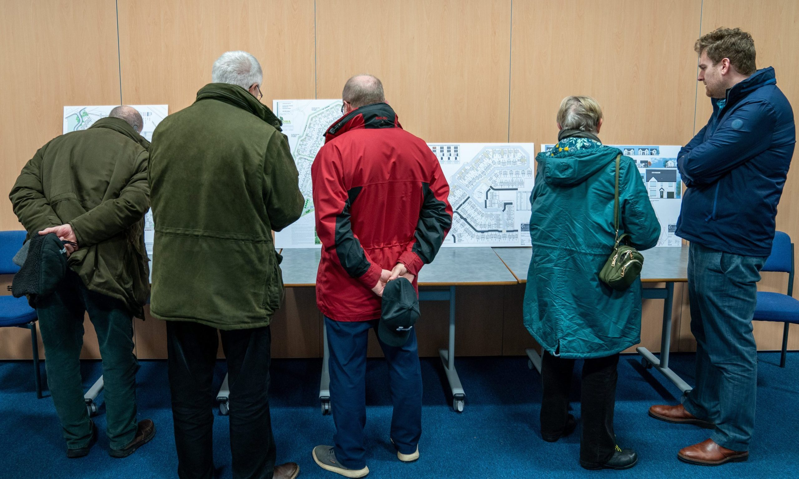 Persimmon homes answered questions from disapproving residents on Monday night.