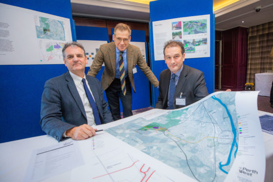 Perth West development public consultation. Gavin Murray of Brooks Murray, Mark Richardson of Ristol Consulting and Alexander Dewar,