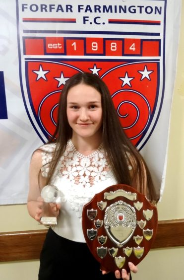 https://wpcluster.dctdigital.com/thecourier/wp-content/uploads/sites/12/2020/02/Youth-Player-of-the-Year-Beth-Mowatt-371x564.jpg