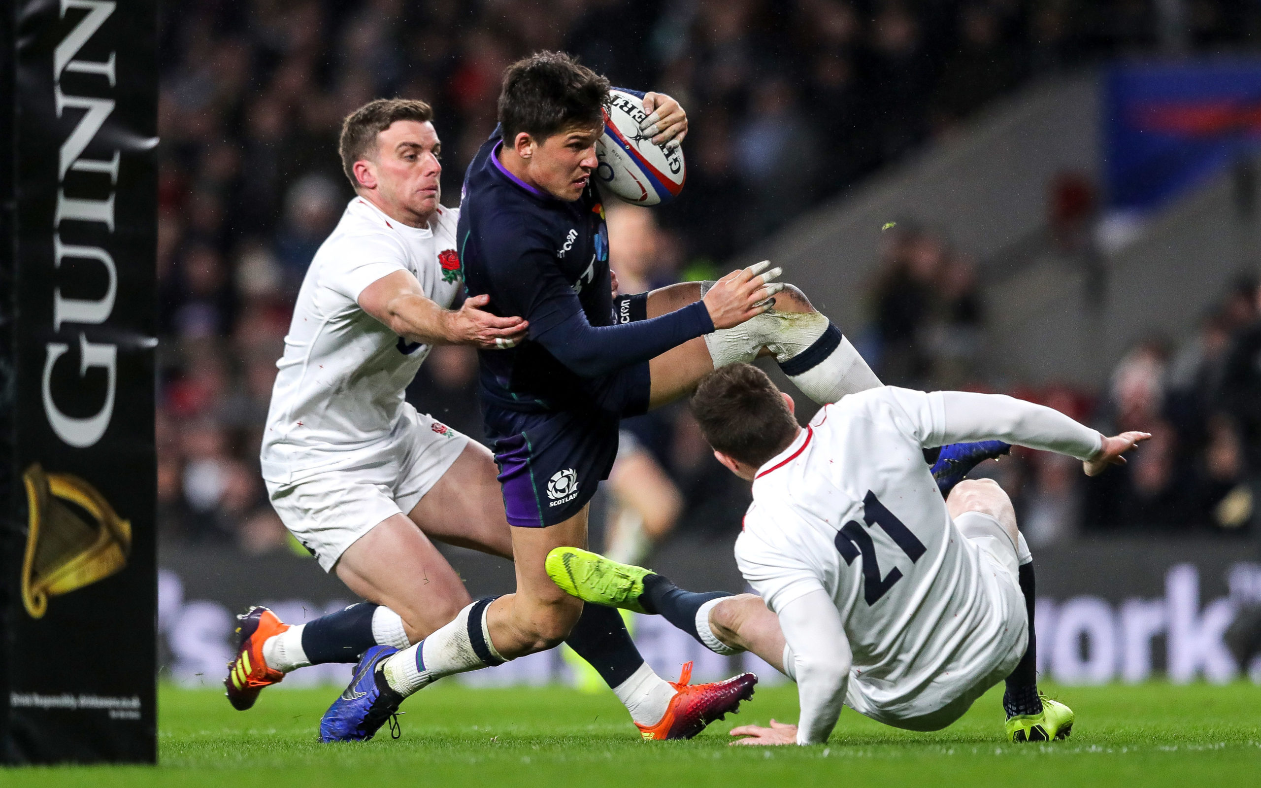 Sam Johnson goes through to score his dramatic try in the 2018 Calcutta Cup.