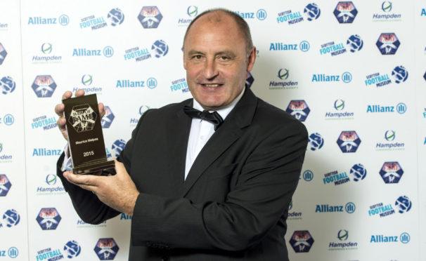 Dundee United legend Maurice Malpas has had his say on shutdown solutions