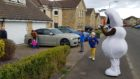 Olaf was out and about in the Kirkcaldy housing estate.