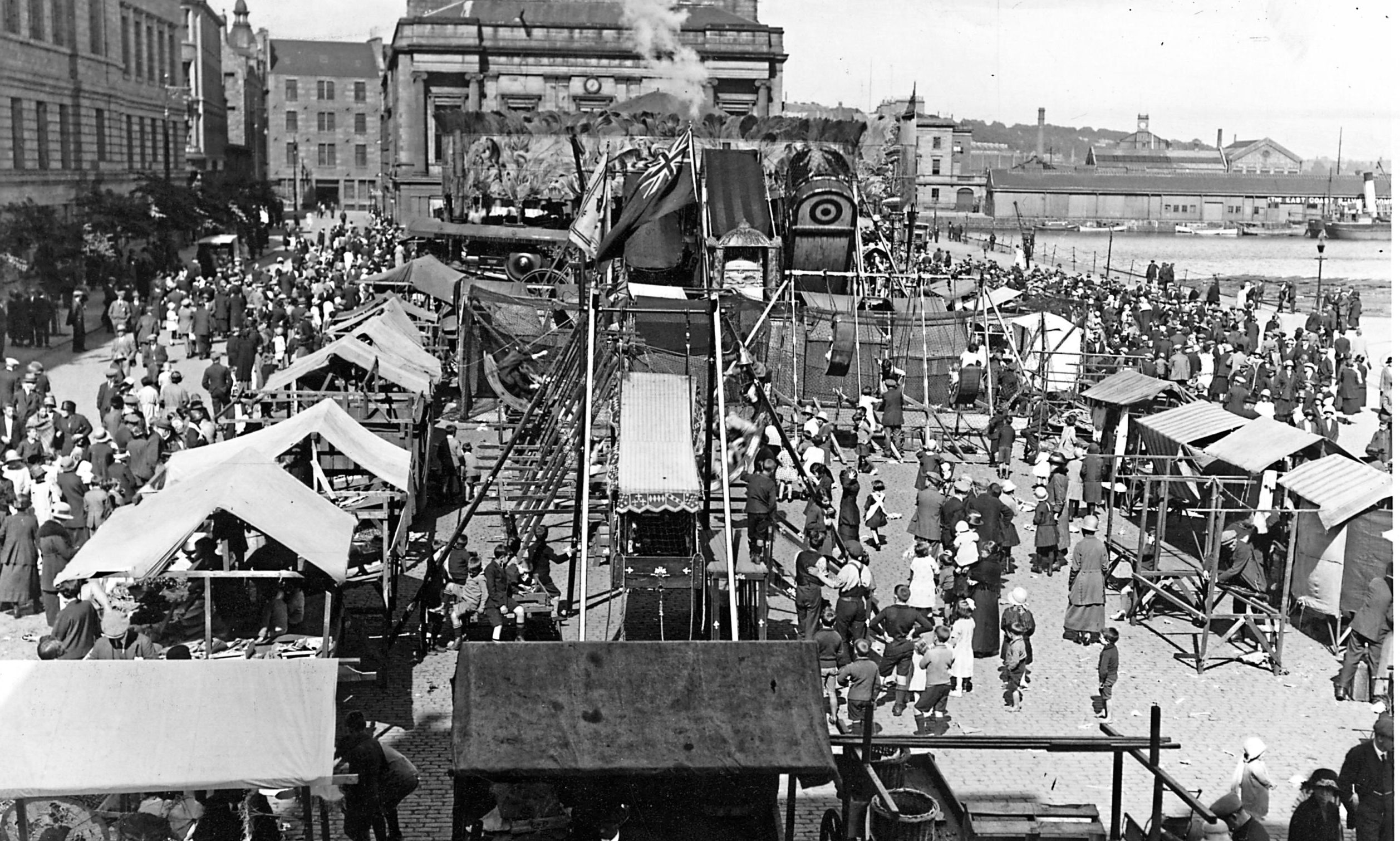 Greenmarket Lady Mary Fair in Dundee in the 1930s.