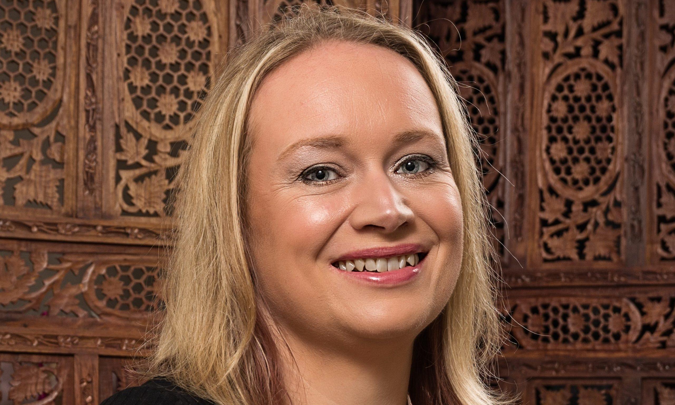 Caroline Bracken founded For Cakes Sake