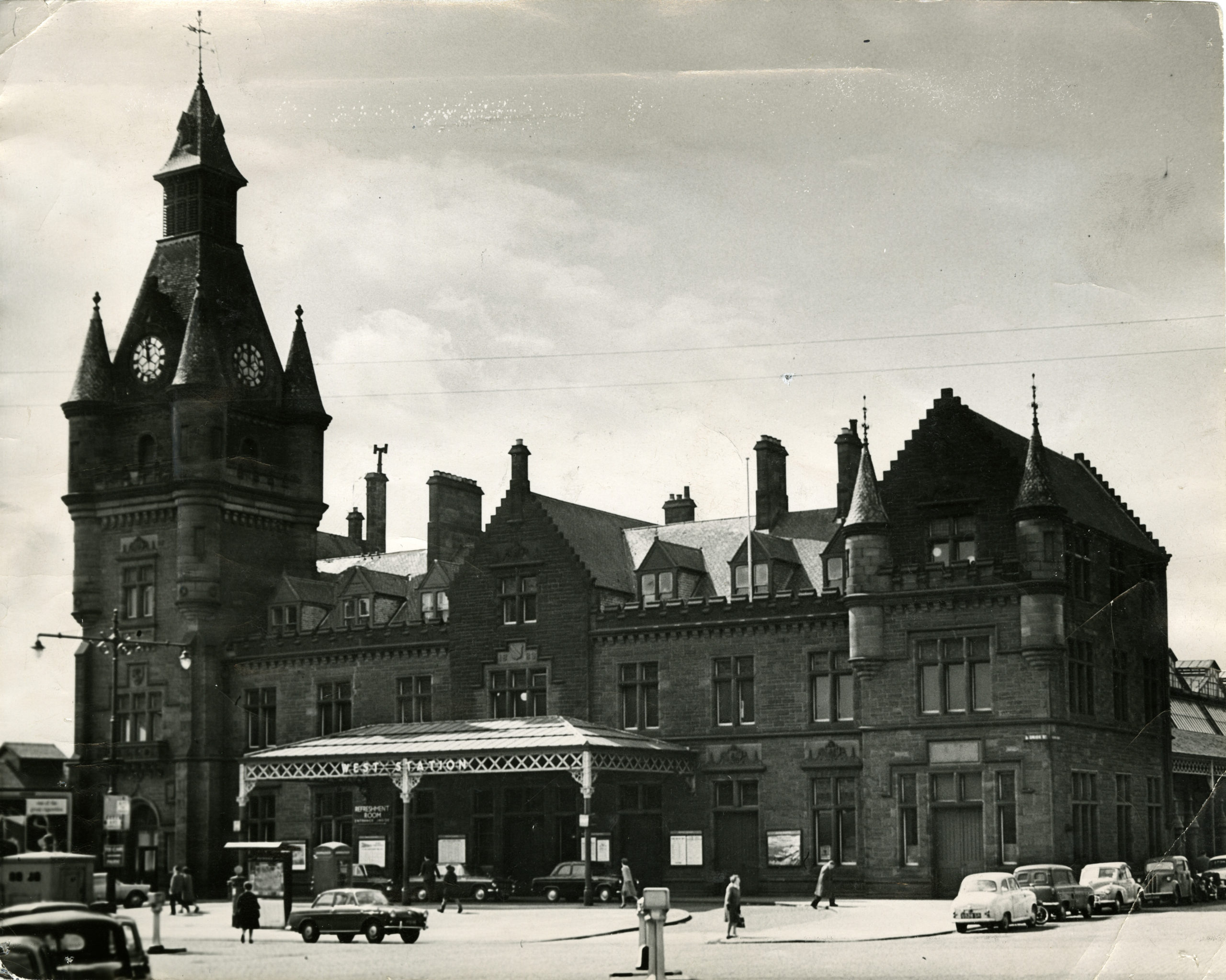 Dundee West Station on May 6, 1965.
