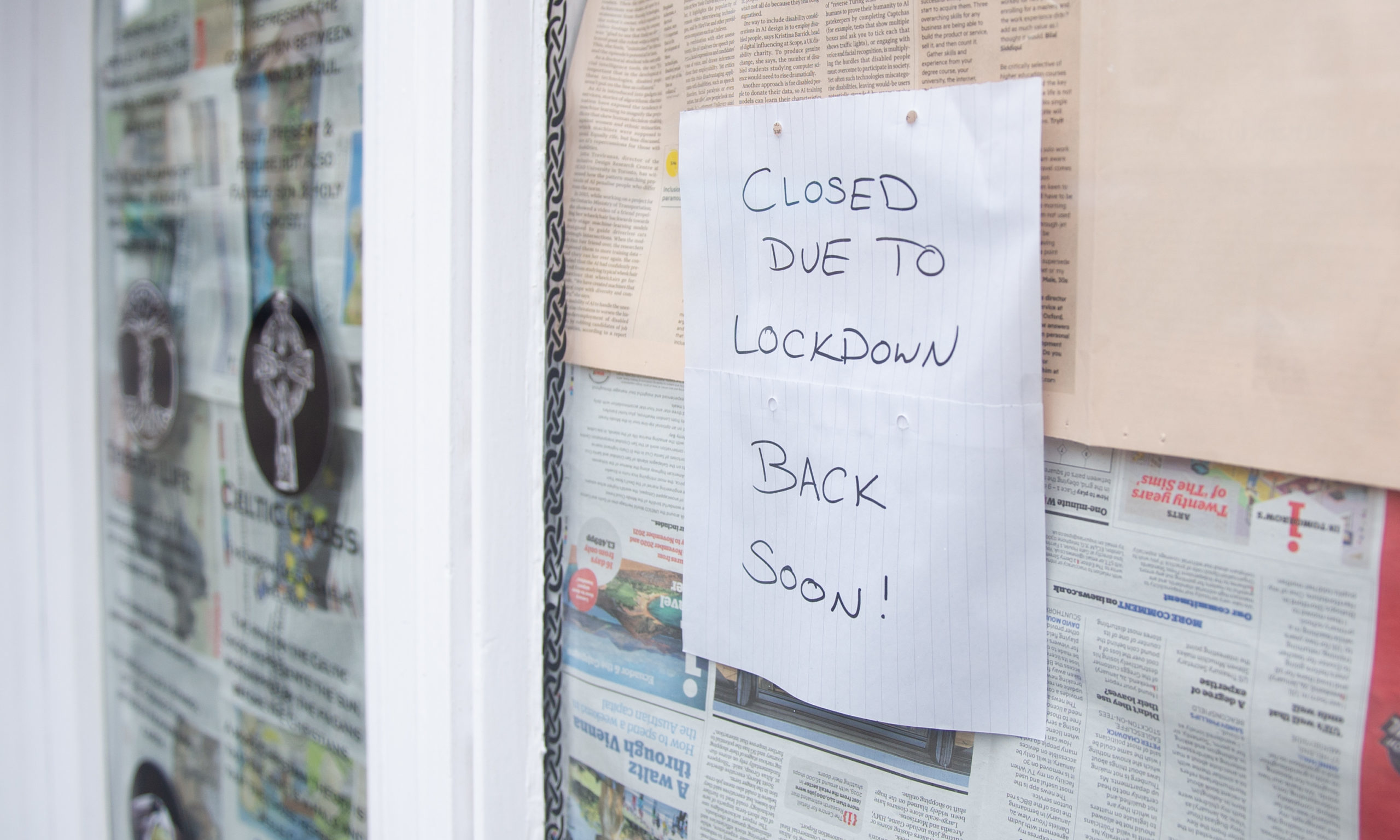 A Tayside shop closed due to the coronavirus lockdown.