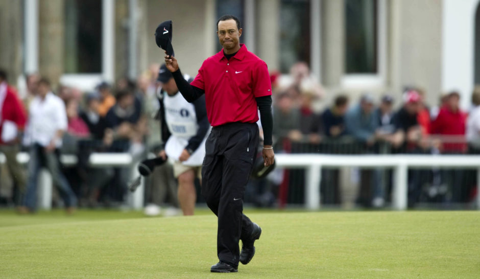 Tiger Woods on the 18th green at the 2010 Open at St Andrews