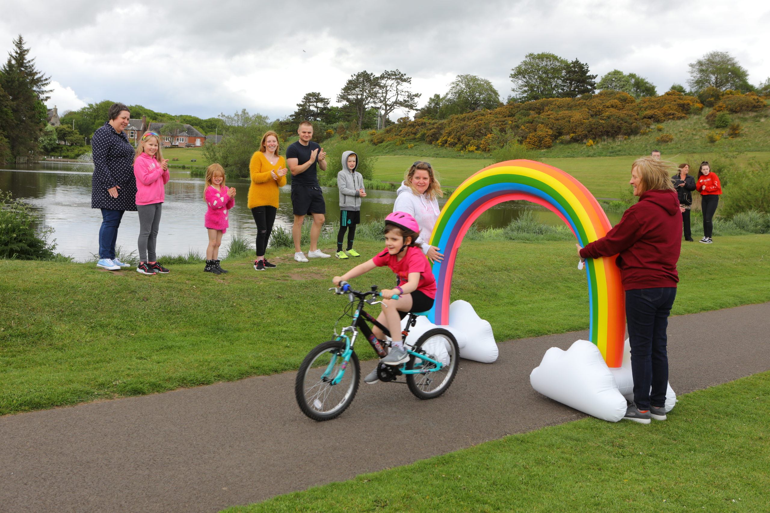 Rose Nicol on her way to finishing her 100 laps of Keptie Ponds, in Arbroath
