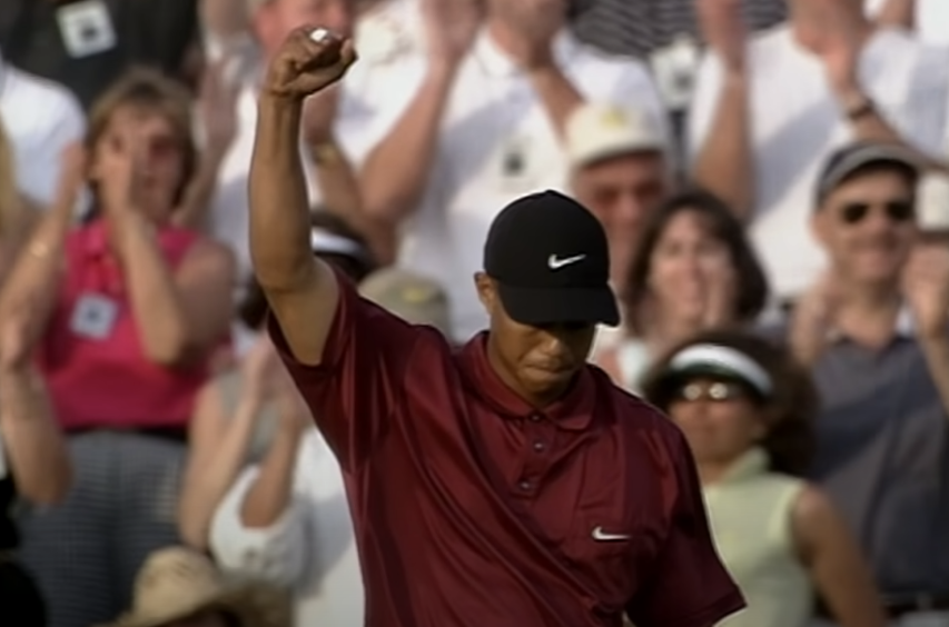 Tiger Woods completes Tiger Slam at Augusta in 2001