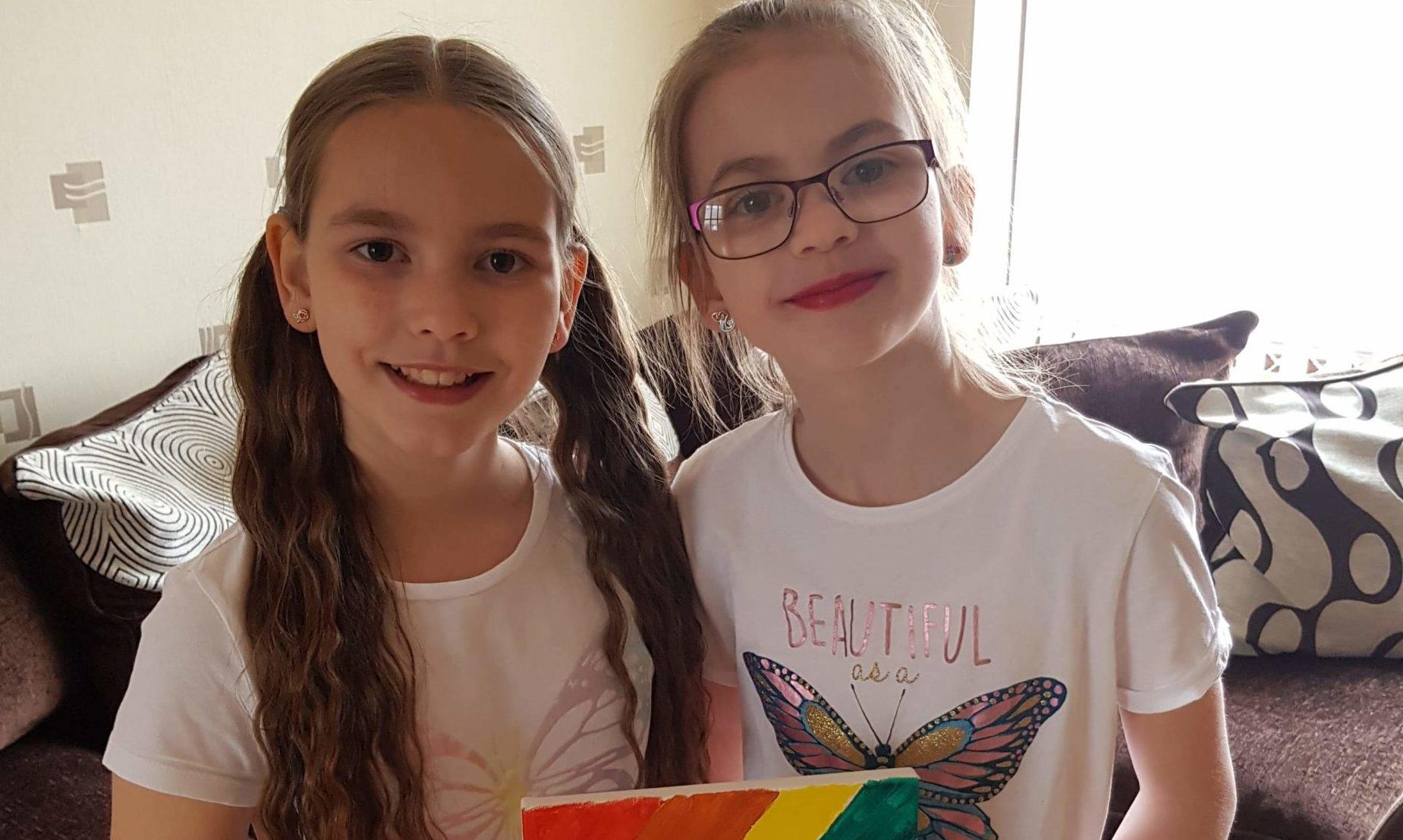 Rowantree Primary School sisters Kacia (10) and Kaiya Thompson (11).