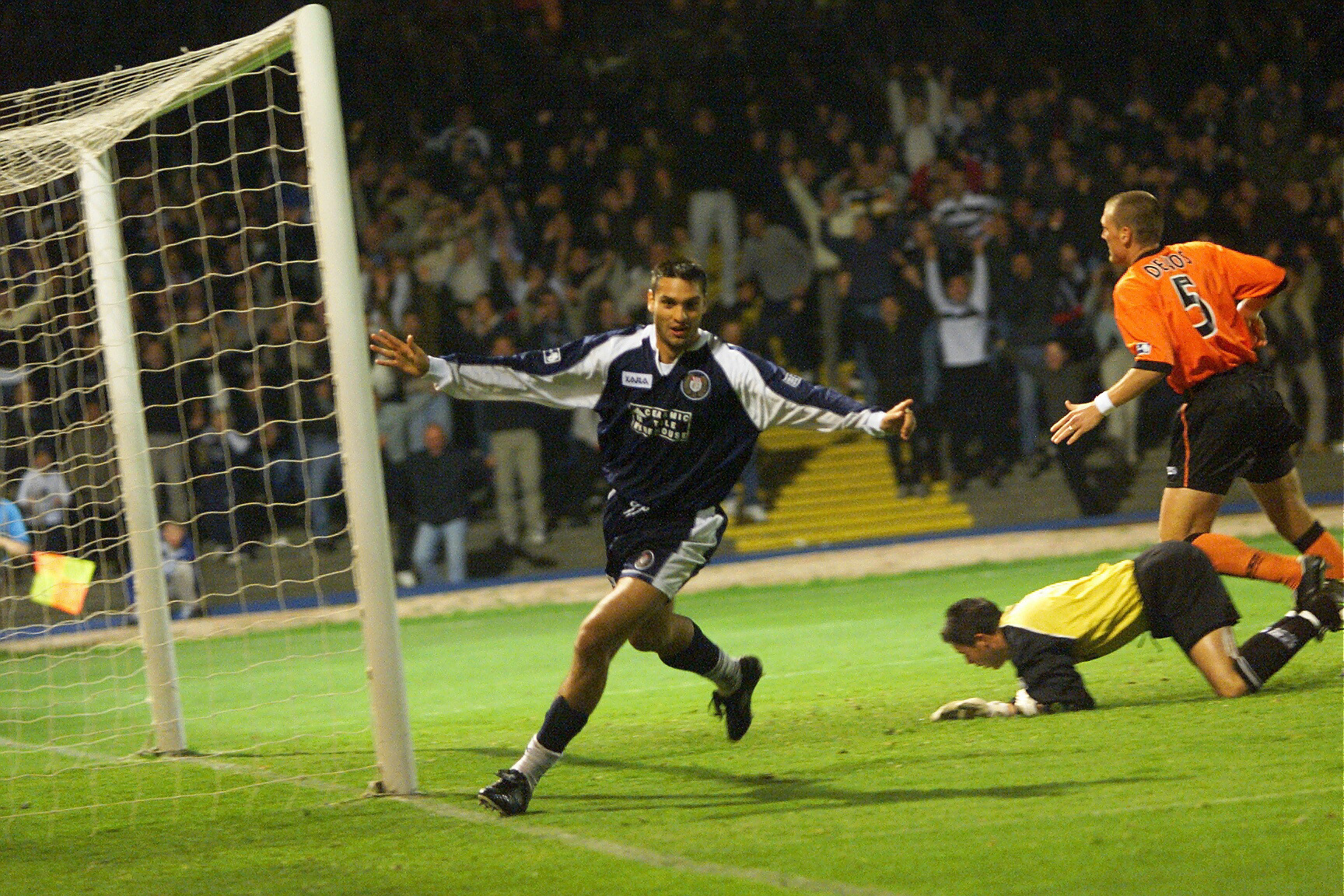 Juan Sara celebrates strike against Dundee United
