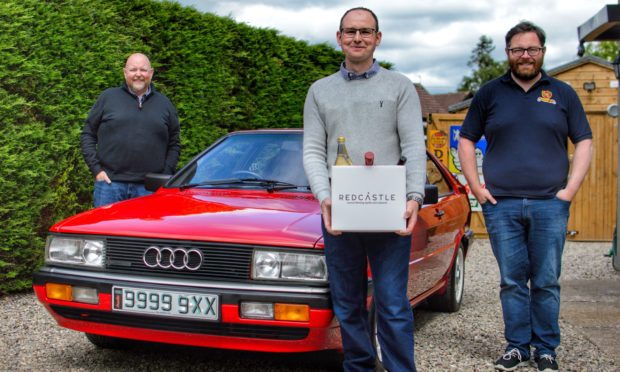 SVVC director Stephen Dear, winning owner Dan O'Connor and John Walsh of Redcastle Gin.