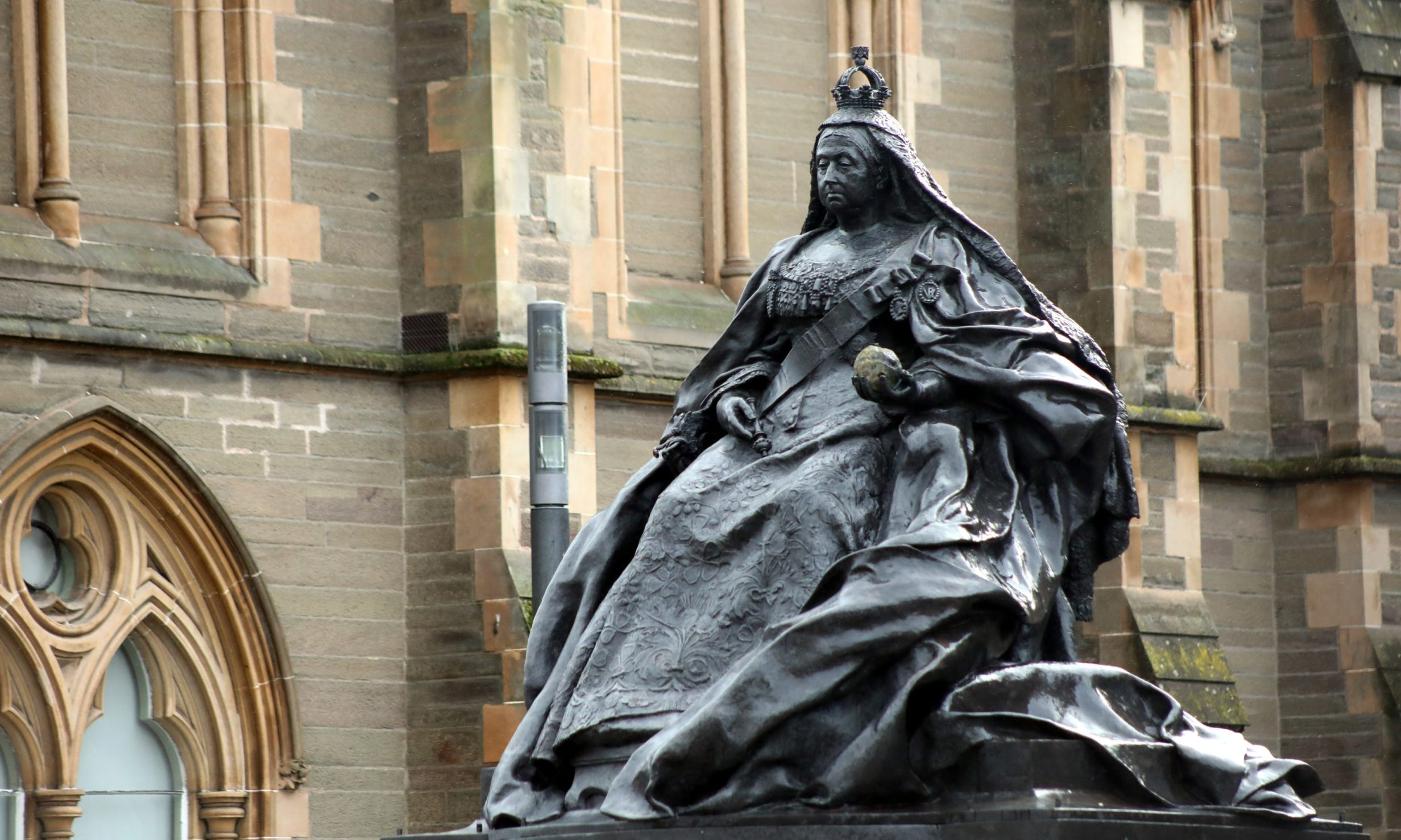 The statue of Queen Victoria in Albert Square, Dundee.