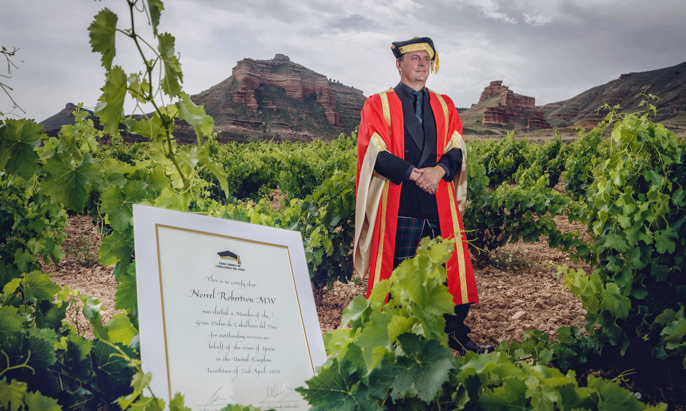 Norrel Robertson from Forfar has become a Knight of the Grand Order of Spanish Wine.