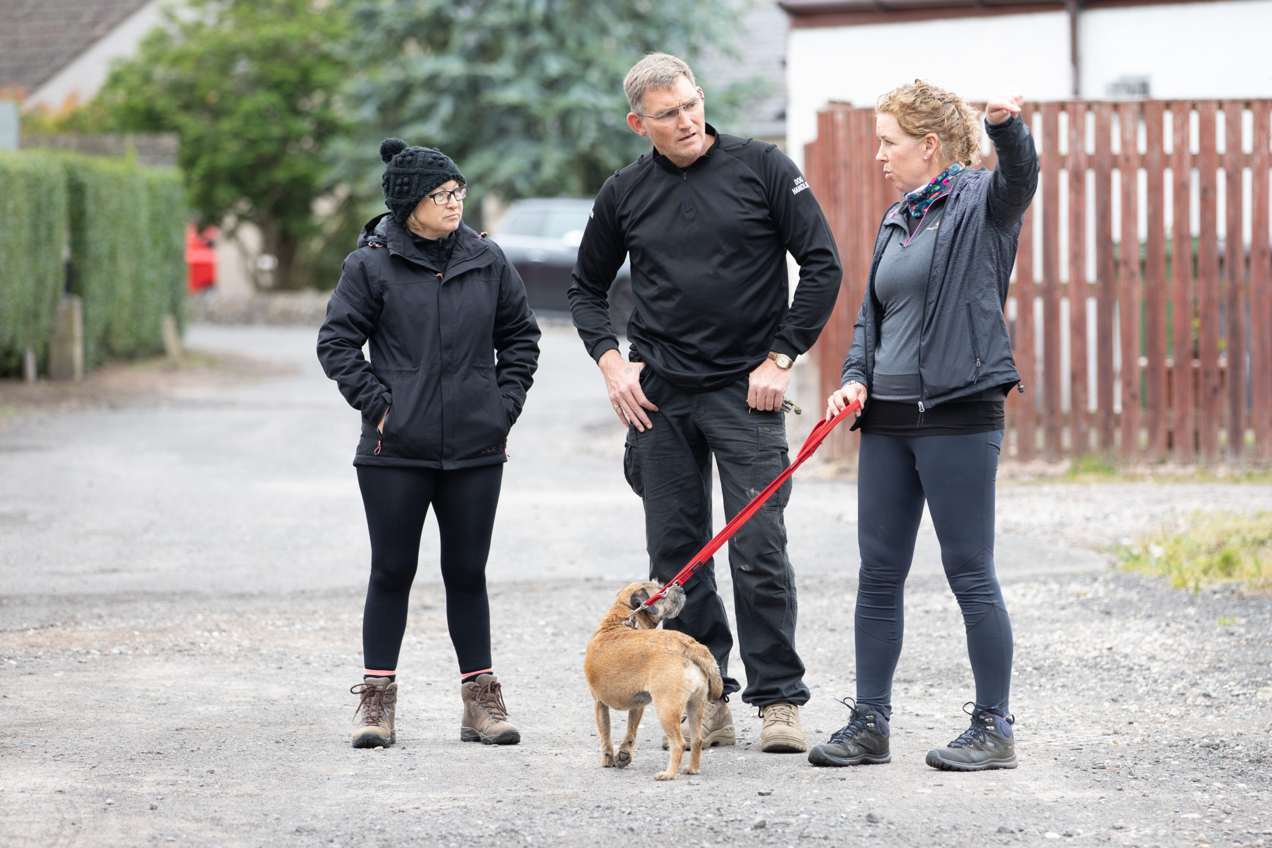 l to r - Lorraine and Simon Pattison from K-9 Manhunt and Scentwork with Susan Malcolm and Maggie (Twiggy's mother)