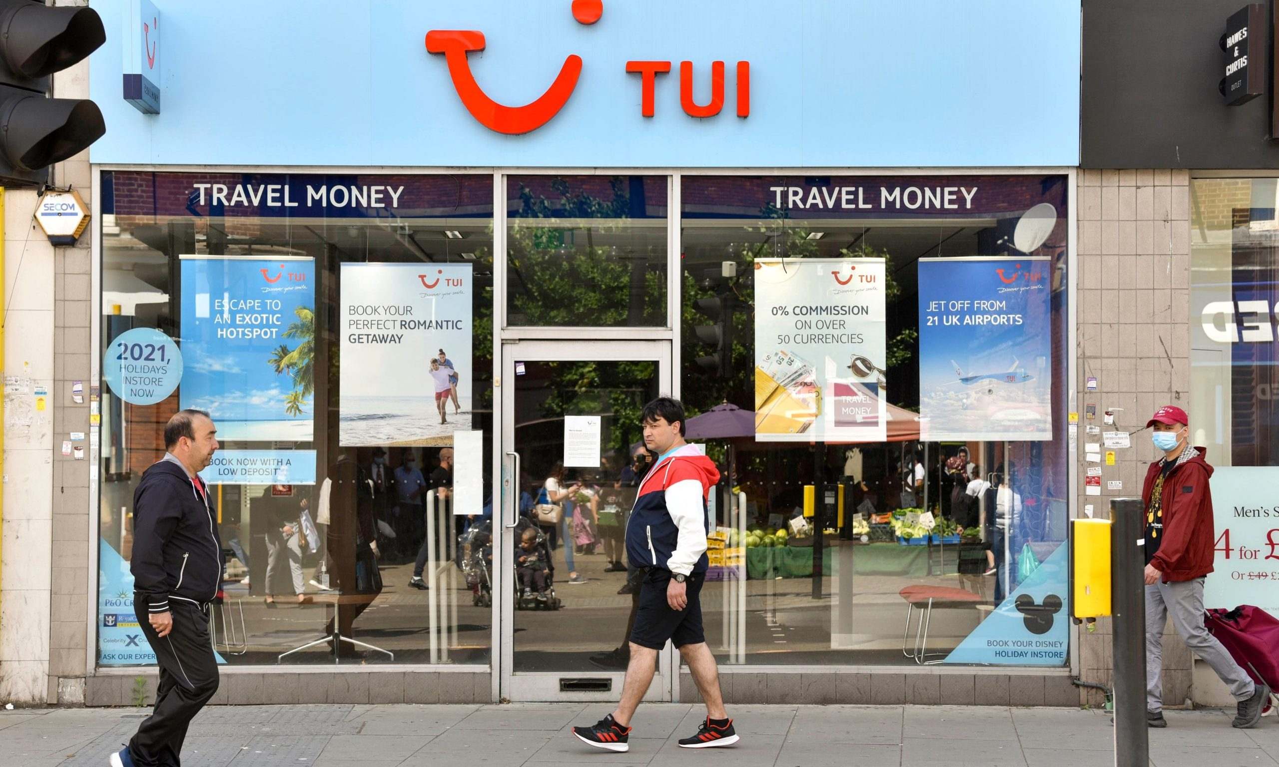 Almost a third of Tui stores will close. Photo by Dave Rushen/SOPA Images/Shutterstock