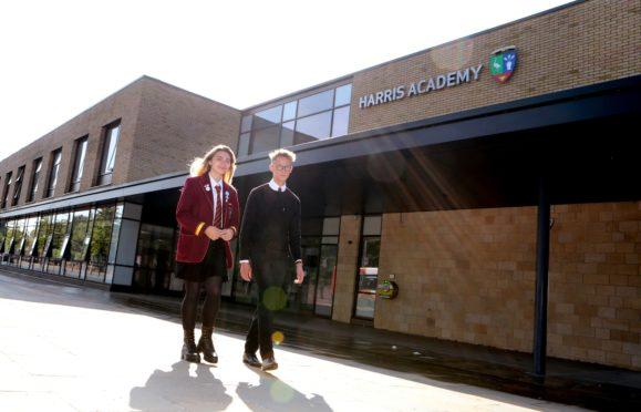 Harris Academy pupils Lucy Young & Jamie Cruickshank.