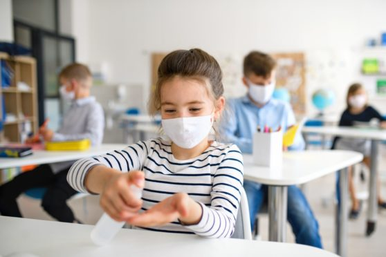 Teaching union wants greater encouragement to wear face masks in schools.