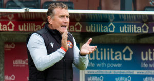 Micky Mellon urges Dundee United players to showcase their top-flight credentials as they face in-form Hibs