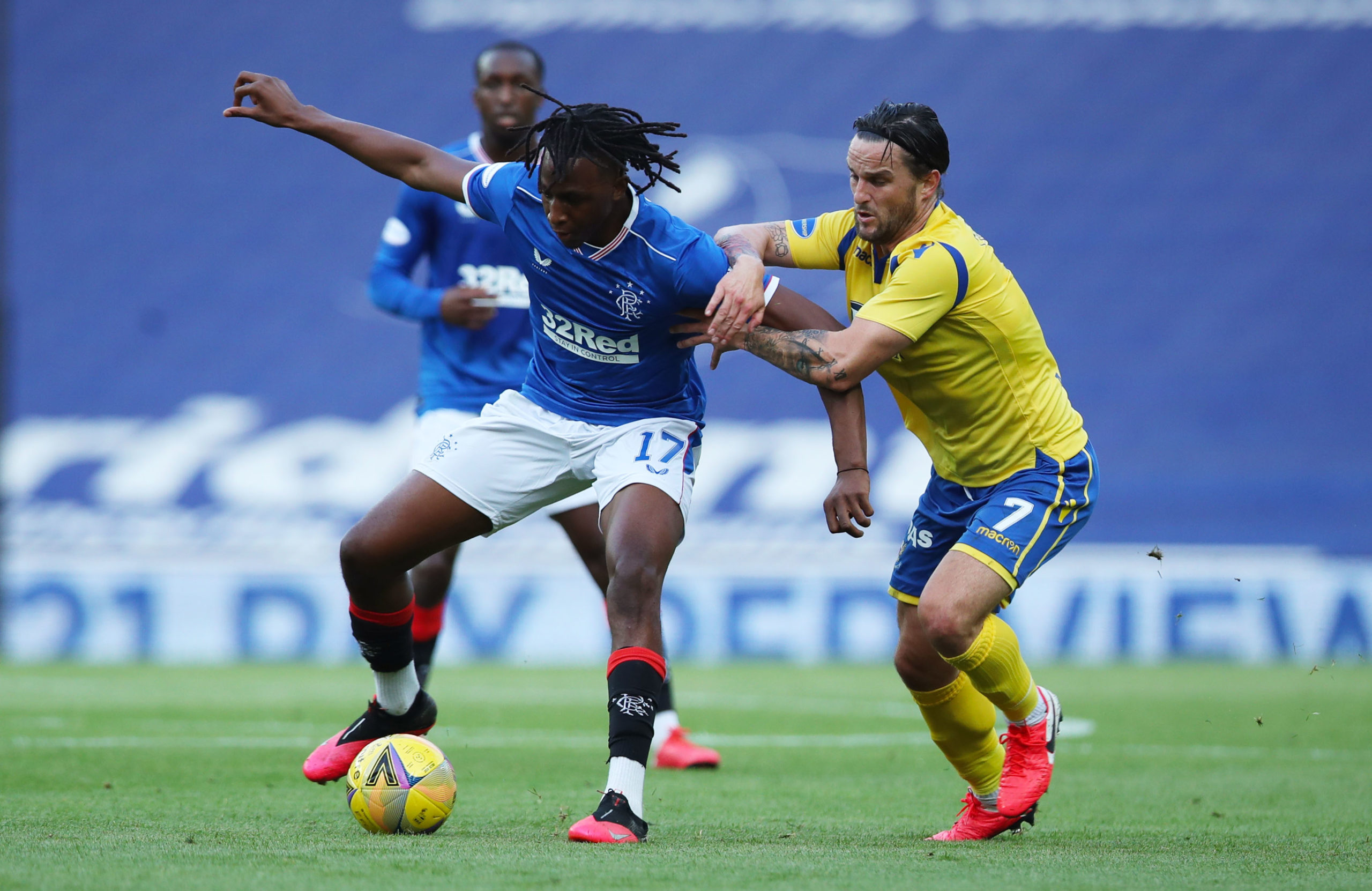 Craig Conway gets to grips with Joe Aribo.