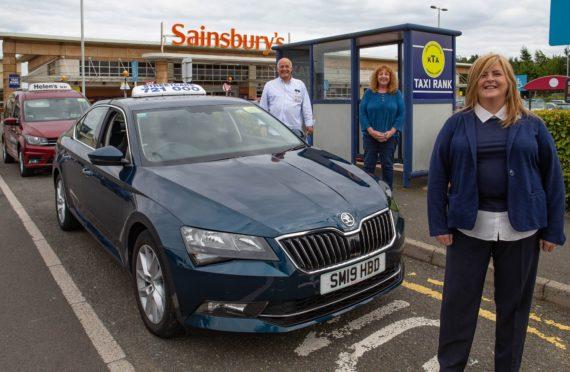 Brian McGurn (Street Cars), Helen Skinner (Helen's Taxis) and Councillor Carol Lindsay.