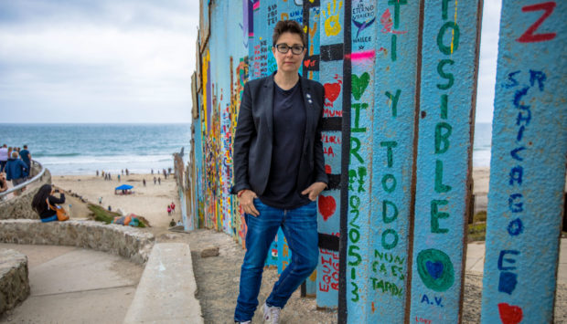 Sue Perkins: Along the US-Mexico Border.