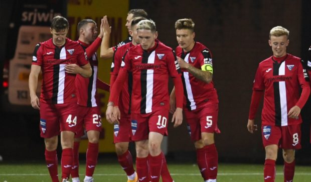 Dunfermline's Euan Murray (second from right) celebrates making it 1-0 against Kilmarnock.