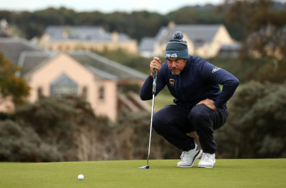England's Lee Westwood stormed to a nine-under 62 in the calm at The Renaissance.