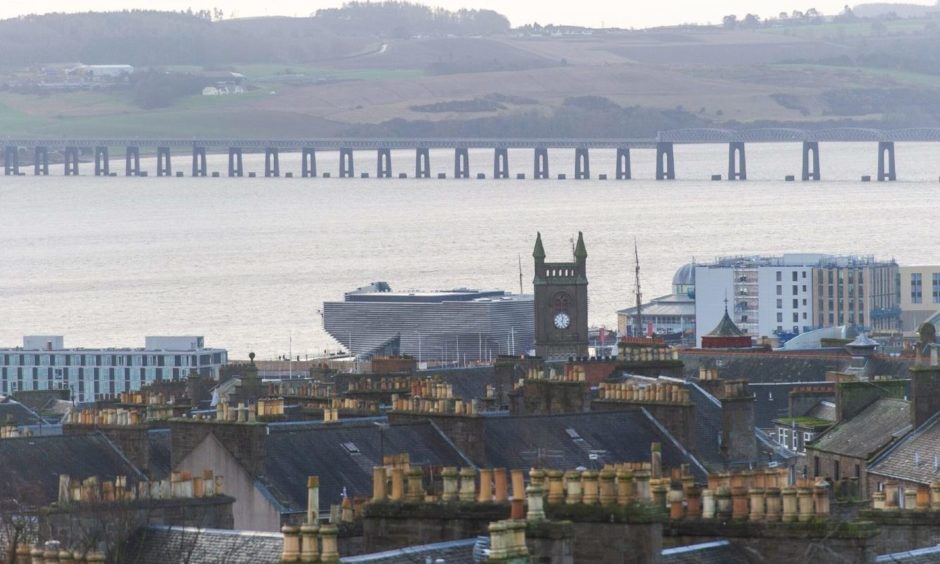Dundee and the Tay