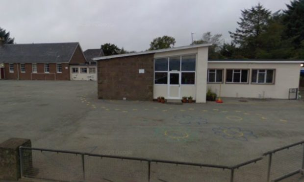 To go with story by Graham Brown. Pupils at Luthermuir primary school have been told to quarantine due to a case of Covid-19 linked to the school. Picture shows; Luthermuir primary school. Luthermuir. Courtesy Google Maps Date; Unknown