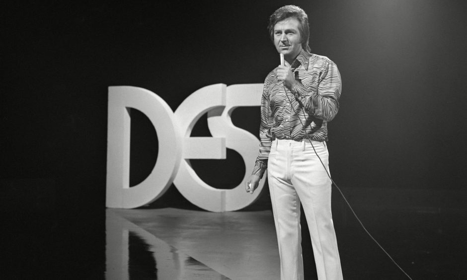 Des on The Golden Shot, an ITV game show, in 1972.