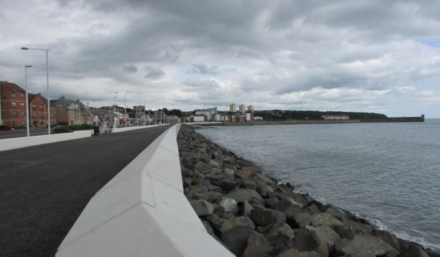 Promenade and sea wall in Kirkcaldy.