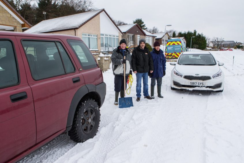 When Courier Photographer Steven Brown got stuck in the snow, help was granted by Frank Hailstones, Ian Wood (4x4) and William Wallace in March 2018.