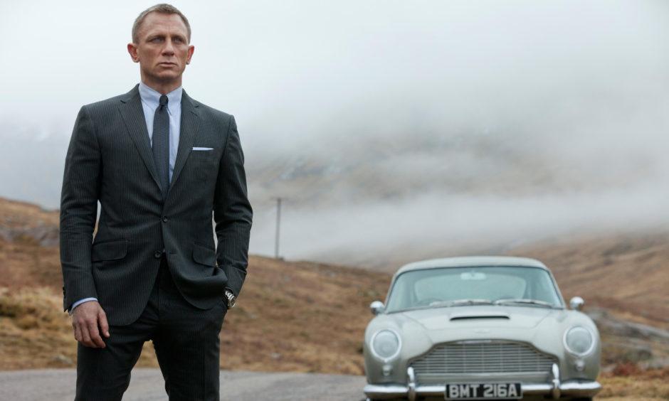 Daniel Craig as James Bond 007 in Skyfall.
