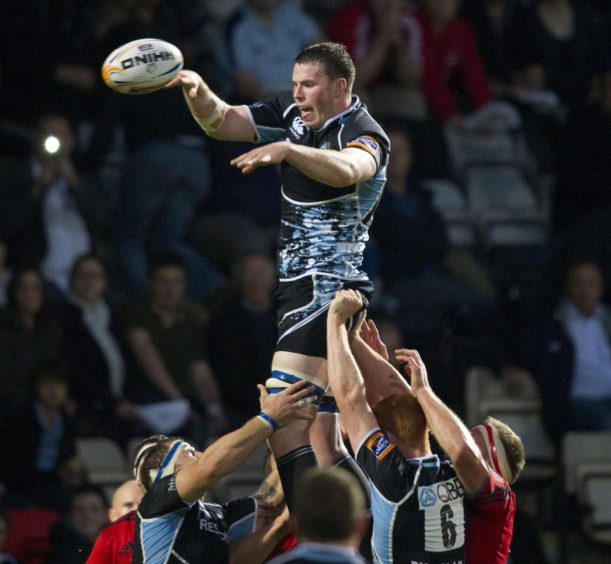 Nick Campbell in action for Glasgow Warriors.