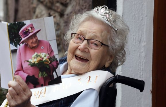 Violet Thomson celebrated her 100th birthday at Kirk Lodge Care Home in Laurencekirk.
