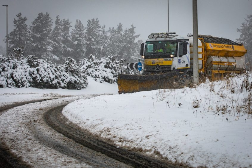 A gritter clearing the roads around Gleneagles.